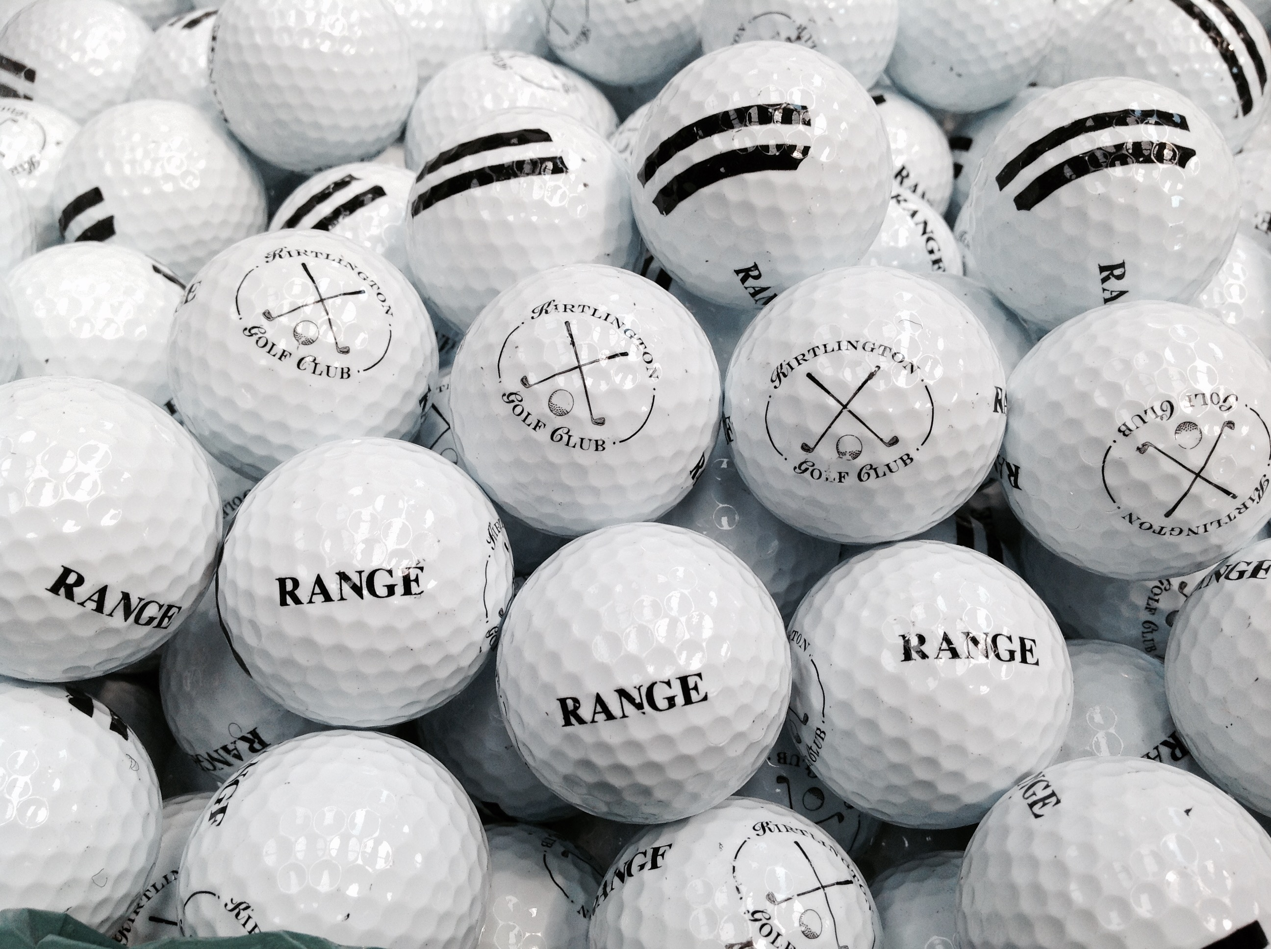 100 x white range golf balls brand new 2 piece driving plain kirtlington club ebay. Black Bedroom Furniture Sets. Home Design Ideas